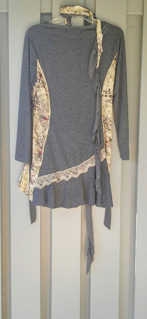 Fall print dress with sash PAPILLON - Vancover/ Los Angeles Size Small Hand wash $24